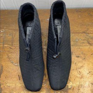 Chunky heel vintage booty